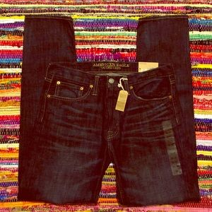 "NWT American Eagle ""Original Taper"" Jeans Size 32"